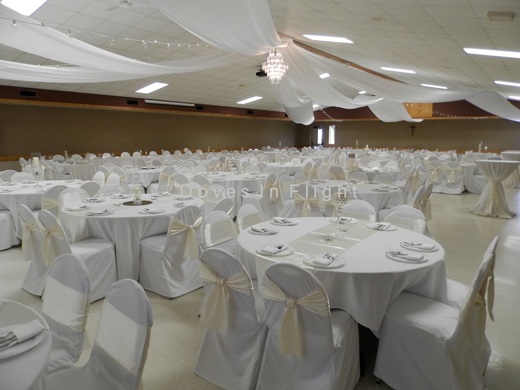 White chair covers with white sash - Square Crystal Pin On Ivory Sash Westphalia Fitted Chair Covers